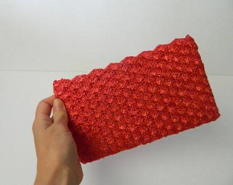 Vintage 1960s Red Raffia Zippered Clutch