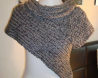Scarf Vest Gr. S-M Panem Katniss scarf Vest Poncho Cape Jacket coat cardigan knit jacket Hand knitted silver
