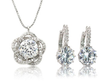 Lovely crystal flower necklace earrings set