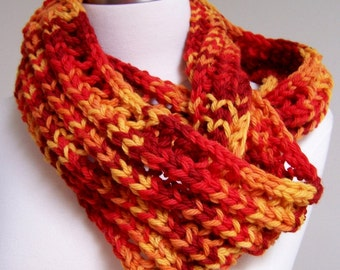 Chunky Knit Red Infinity Scarf, Knit Loop Scarf Red Orange, Big Knit Wool Infinity Red Gold, Wool Knit Infinity Fall Colors