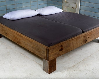 Design bed made of recycled lumber & roof Beams | Vignes
