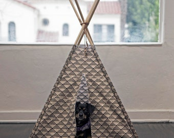 Dog Teepee. Pet Teepee. Cat Teepee. Dog Bed. Dog Tent. Dog House. Cat House. Dog Tipi. Pet Gift. Holiday Gift for Dogs.  Housewarming Gift