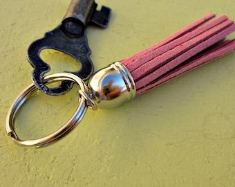 Porte-clés argenté classique ou charme de sac à main avec Suede gland Accent dans votre choix de couleur : Preppie
