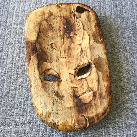 Small Retro Carved Tiki Mask Wall Hanging Burnt Etched Timber