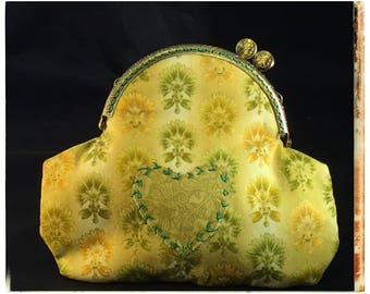 Medium Kiss-Lock Purse Handbag with Hand-Applique - Vintage, Victoriana, Bridal 3181