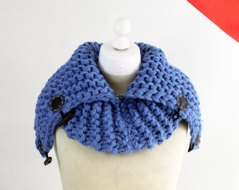 Knoodle - Blue - Chunky snood – Snood scarf – Hand knitted – Versatile scarf – Thick scarf – Hooded scarf - Cowl - Super chunky - Eternity