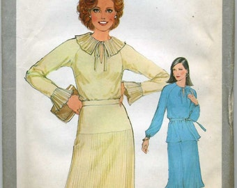 Pullover Top, Pre Pleated Skirt and Tie Belt  Sewing Pattern - Simplicity 8457 -  Size 10  Bust 32 1/2 - Uncut