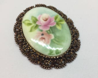 Hand Painted Floral Filigree Setting Brooch/ Pendant/ Mid Century Jewelry/ Victorian Look