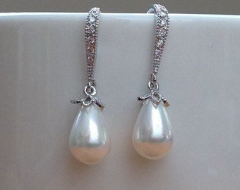 White gold Pearl and Crystal earrings
