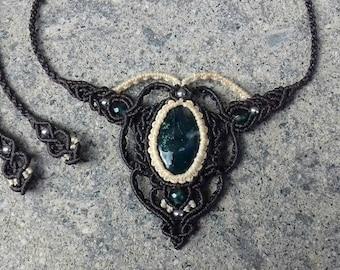 Handmade Musky agate Necklace in macramé