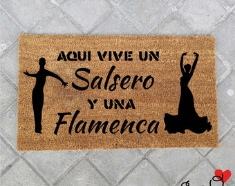 "Doormat ""Here lives a Salsero and a Flemish"""