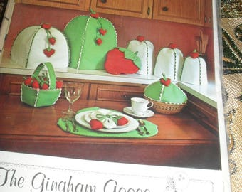 Vintage The Gingham goose Sewing Pattern - Strawberry Kitchen Kollection -   1980-