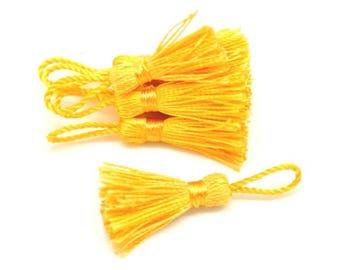 10 tassels of silk 4.5 / 5cm yellow gold