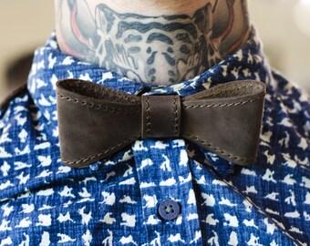 Personalized Leather Bow tie Brown mens bow tie wedding bow tie Mens Gift groomsmen bow tie monogram bowtie retro Neck-Tie
