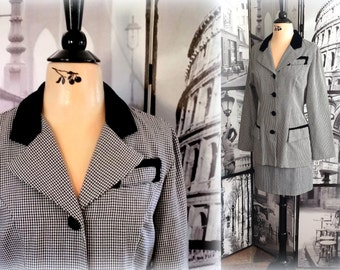 70s HOUNDSTOOTH Suit - Velvet Trim - Black & White - Fall and Winter Charmer - Size Medium