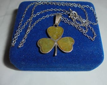 Vintage Irish Sterling Silver Connemara Green Marble Inlaid Shamrock Pendant Necklace