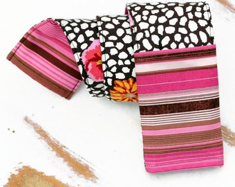 Pink Brown Floral camera strap cover, padded camera strap cover, photographer gift, reversible strap, dslr camera strap, canon camera strap