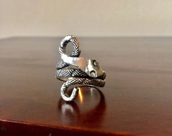 Boho Sterling silver handmade vintage snake ring, large size or mens size, tribal ring, silver serpent ring, protective amulet, 925 stamped