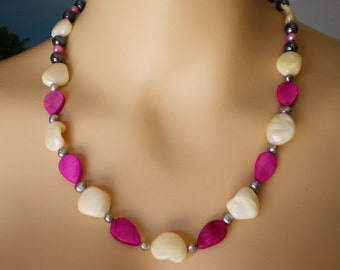 Necklace from Mother of Pearls MOP Sea Shell Beads, pink Freshwater Pearls