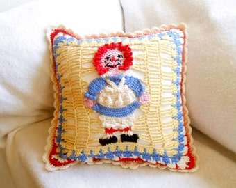 raggedy ann and andy crochet pillow, square throw pillow, nursery decor, decorative cushion, accent pillow, home decor, crochet cushion