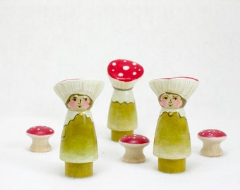 Mushroom Friends- Single Girl Figure, wooden peg doll, wooden mushroom toy, toadstool toy, waldorf inspired, handmade kids toy, nature table