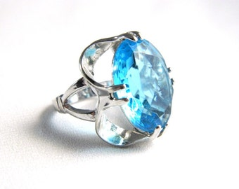 Vintage 14K White Gold Plated Blue Topaz Ring - 4 Carats Faceted Oval Glass - Size 4 - Signed VARGAS