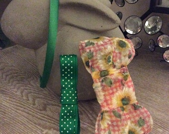 Headband with interchangeable bows, easy slide on and off!