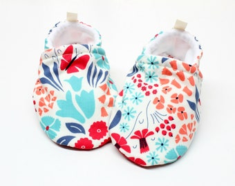 Organic forest shoes, Pre walker, soft sole, crib shoes, baby booties, baby moccs, baby girl shoes,