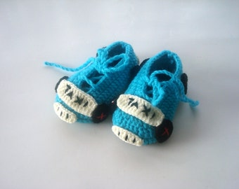 Crochet Baby shoes, turquoise taxi cars baby shoes, crochet baby booties 0 - 12 months baby, taxi baby booties, baby socks