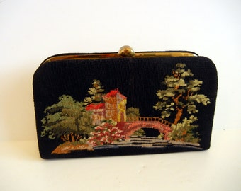 1950s purse / Let Out the Clutch Vintage 50's Needlepoint Scenic Bag