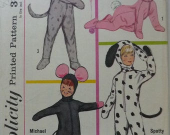 Vintage Sewing Patterns. Simplicity 6199. Animal costumes.1965