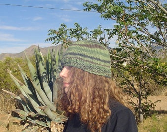Basic Relaxed Fit Hat with Suspended bind off knit pattern