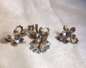 Vintage Brooch and Earring Set Silvertone Blue Glass Floral Pearl