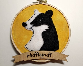 "4"" Hufflepuff Embroidery Hoop Ornament"