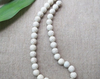 """White Coral Necklace, Coral Necklace, White Beaded Necklace, White Coral Jewelry, White Necklace, Coral Jewelry, 17.7"""" length"""