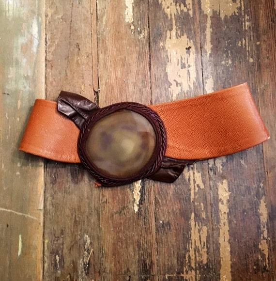 """Vintage 1970s Brown Leather Belt w 4.5"""" Agate Center Med Size"""