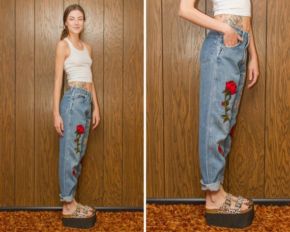 Rose Red Script Waist Gothic Roses Boy Embroidered Bugle Floral 90s Blue Jean Jeans Are High Vintage Dead Denim Flower Patch Love M Goth 28 WZpzItU