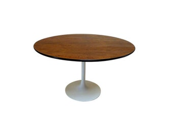 Burke Tulip Dining Table in the Style of Saarinen