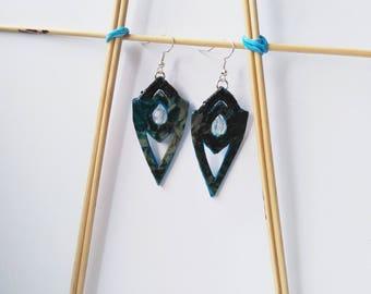 FREE SHIPPING. Flower motives handmade earrings with beads