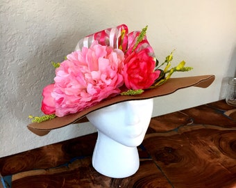 Beige felt hat with pink and green accents