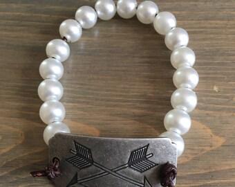 Pearl Beaded Bracelet with Arrows Charm - Pearl Bracelet - Stackable Bracelet