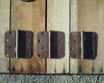 3 matching rusty vintage hinges steampunk