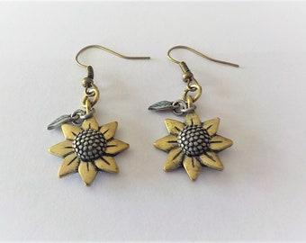 Burnished Gold Flower Earring, Antique Brass Sunflower Earrings, Sunflower Earrings, Sunflower Jewelry, Prairie Earrings,