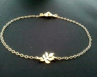 Tiny Leaf  Gold Bracelet - tiny, small, cute, simple, modern, everyday jewelry