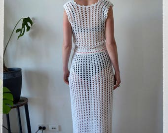 Vintage clothing 1970's wedding dress - white crochet with red belt- size US 2/4  UK/AU 8-10 (xs small)
