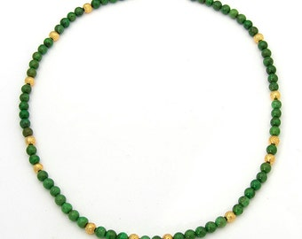 Strong Wasabi Necklace, 19 inches