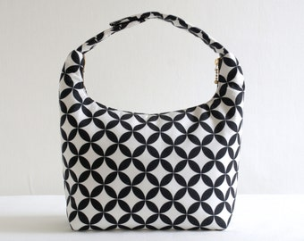 Women Lunch Bag, Insulated Lunch Bag, Small Purse, Handmade Lunchbag, Fabric Bento Bag, Baby Food Carrier, Black and White Medallion Pattern