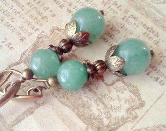Pale Green Gemstones, Light Green Earrings, Jadeite Earrings, Handmade Earrings, Gemstone Earrings, Jadeite Beaded Earrings, Vintage Style