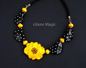 Summer Polka Dot 2 Glass Necklace, lampwork jewelry, murano glass, flamework for her, yellow flower, elegant, black and white, retro, floral