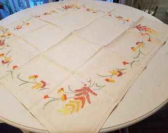 Charming vintage embroidered table cloth, perfect for fall